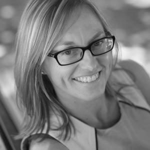Kristy Muir headshot